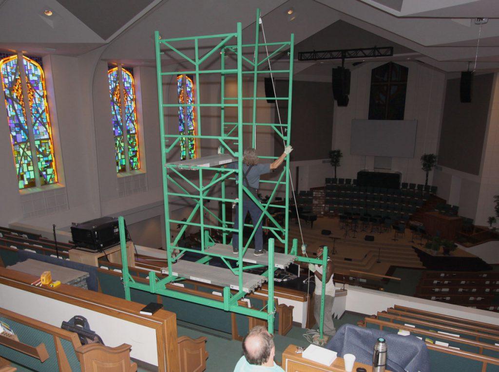 Assembling lightbulb scaffolding