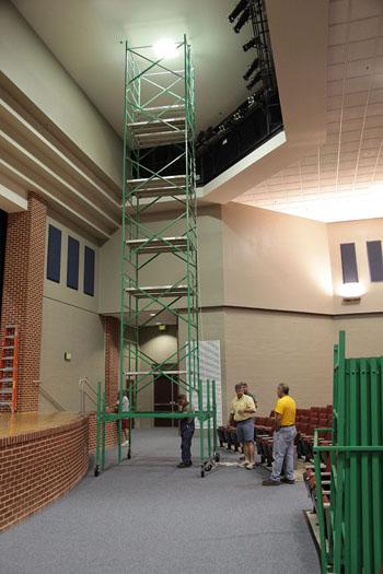Auditorium lightbulb changer