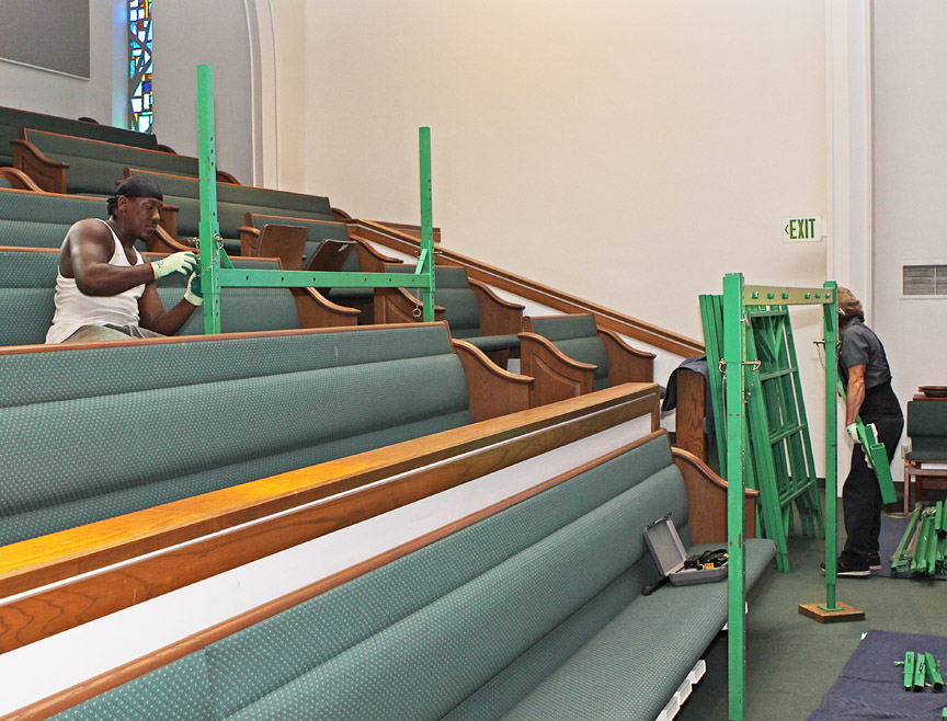 Church scaffolding for sloping floors