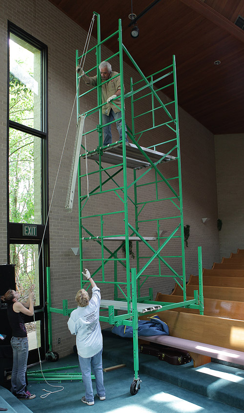Church & theater scaffolding for sloping floors