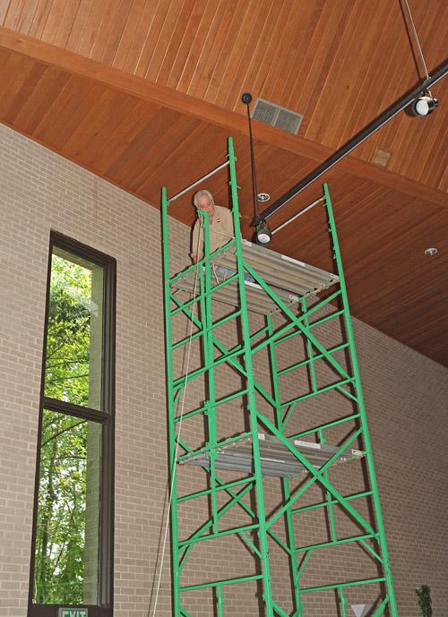 Lightbulb change ladder for churches