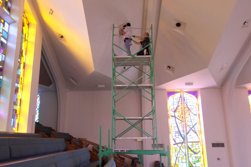 Lightbulb changing system for churches