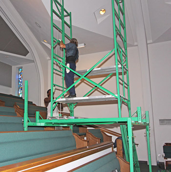Scaffolding for sloping floors in churches