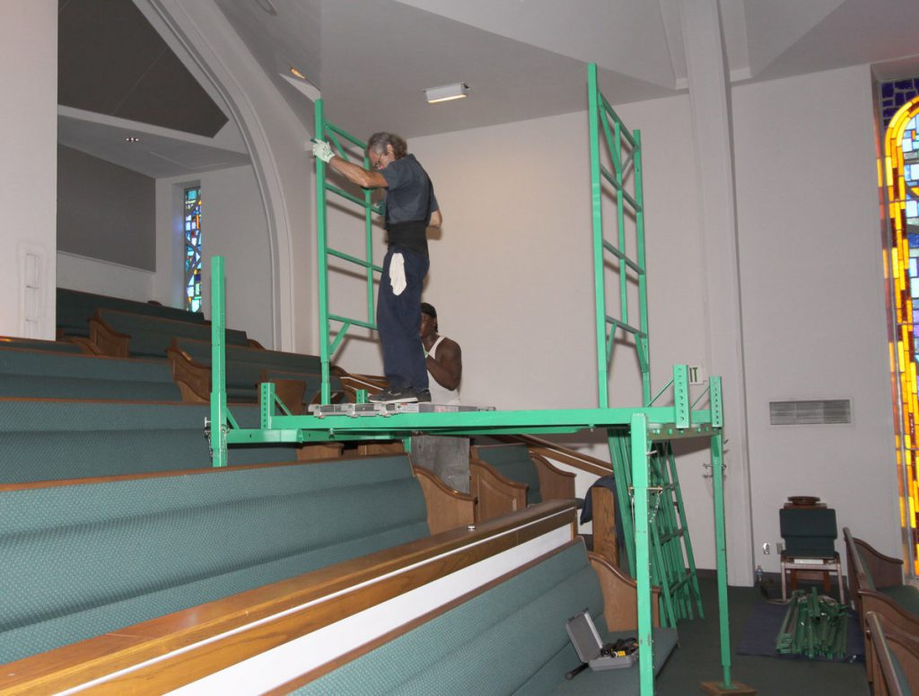 Scaffolding for uneven floors in churches